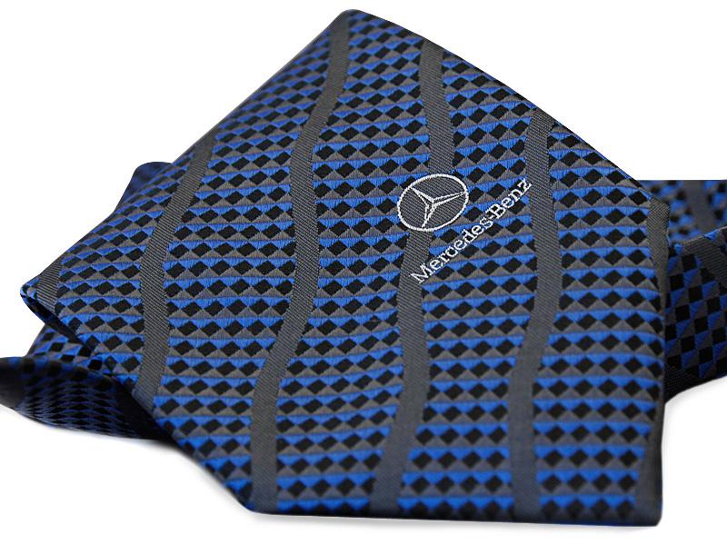 krawat_z_logo_mercedes-.jpg